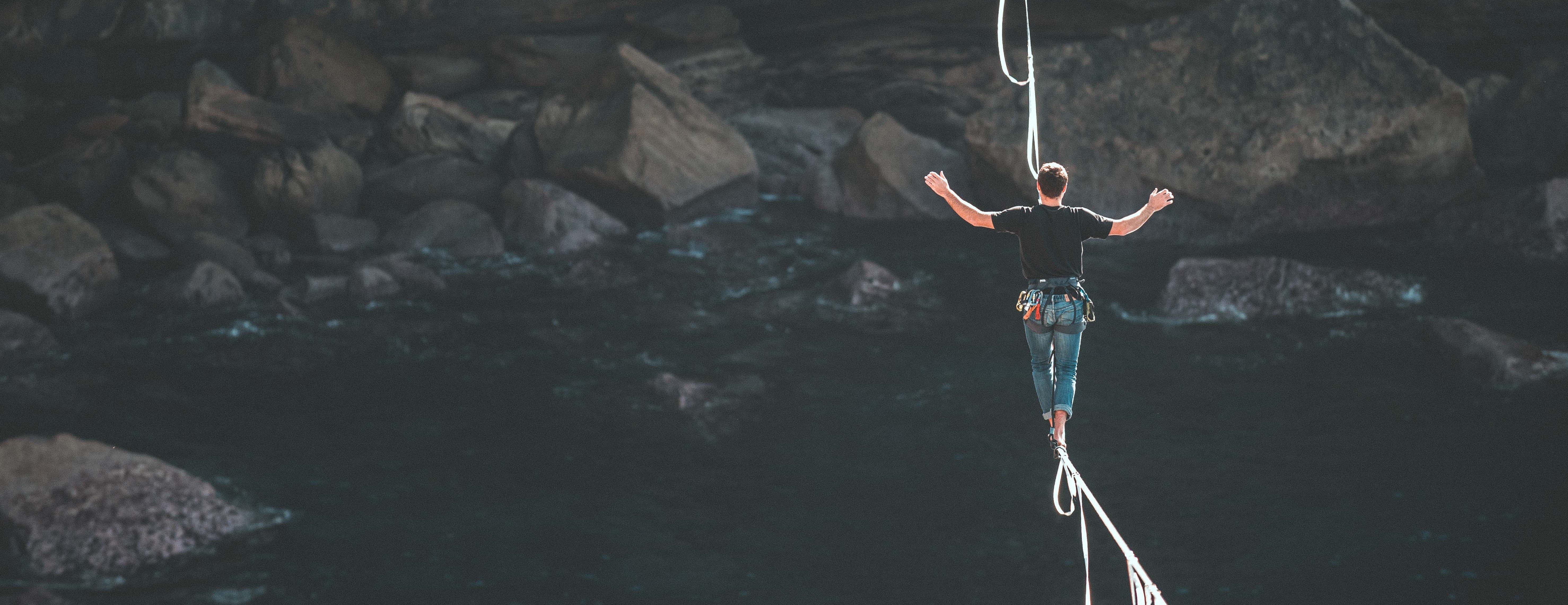 risk-tightrope
