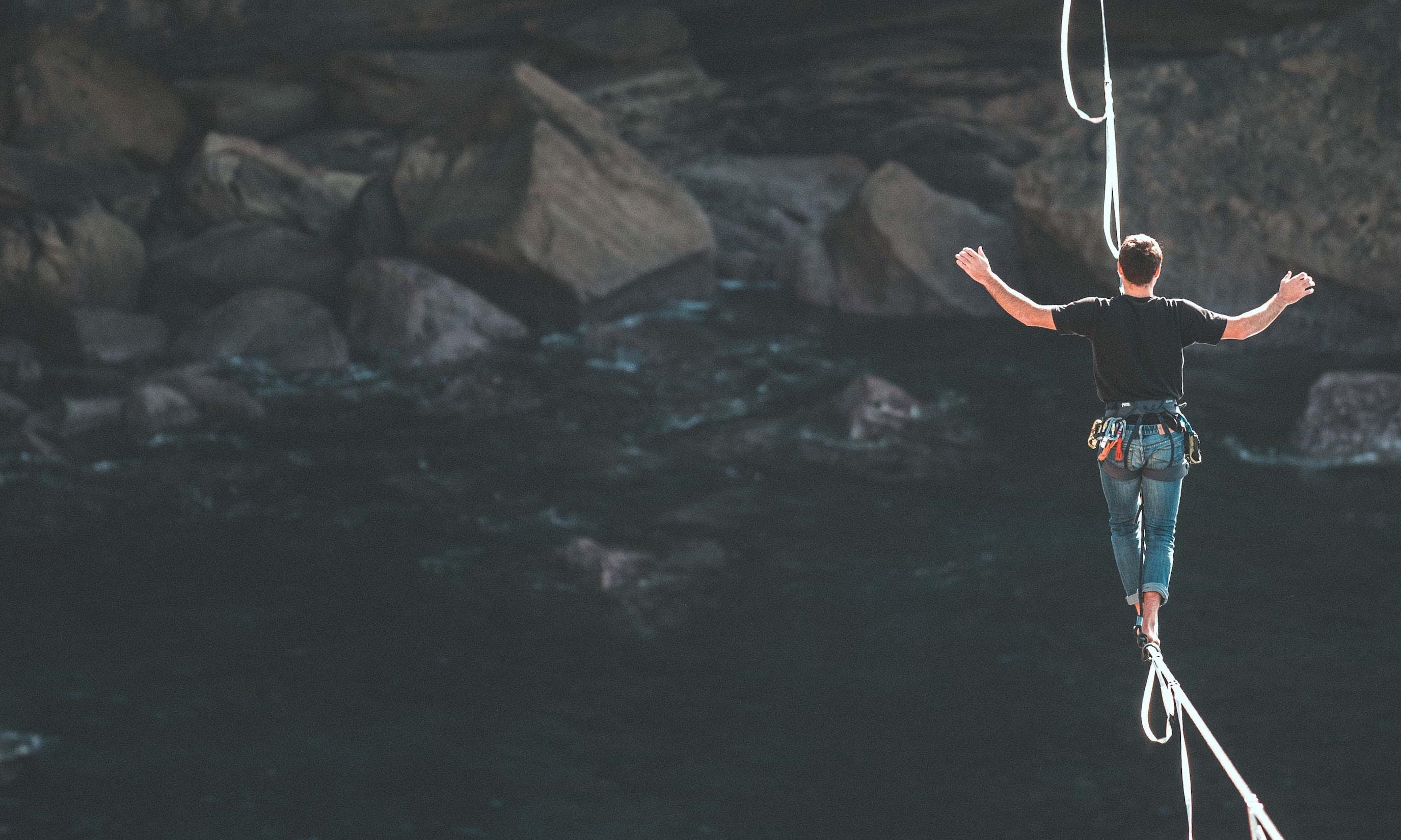 250xrisk-tightrope